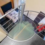 scale in ferro, a chiocciola con pedate in vetro style glass-alfascale