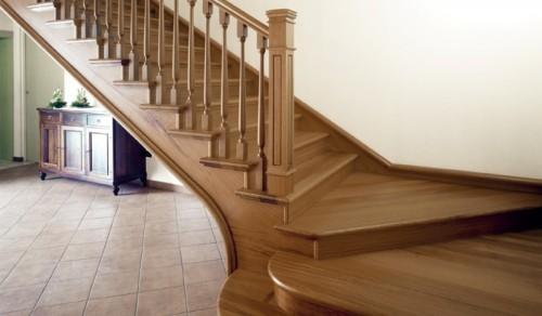 Scale in legno per interni a giorno a sbalzo e a for Gres porcellanato per scale interne