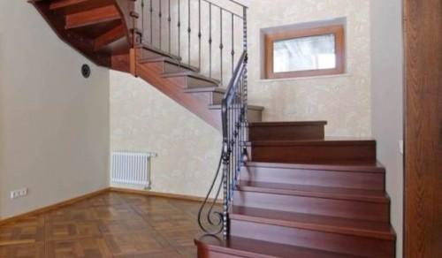 Scale per interni in legno alfa scaleafascale for Scale in legno per interni prezzi