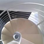 Scale a chiocciola in acciaio verniciato e gradini in legno - Alfa Scale