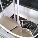 Scale a chiocciola in acciaio verniciato e scalini in legno - Alfa Scale
